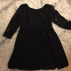 NWT Cute baby doll lowback lace dress